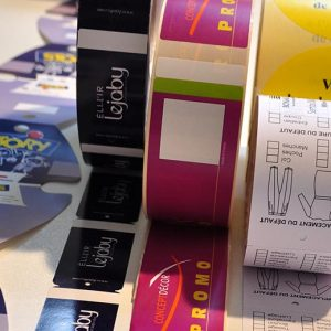 Non-adhesive labels